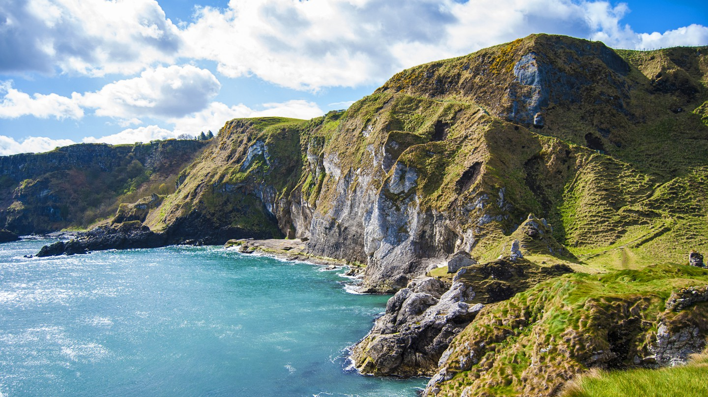 From rugged coastline to sweeping loughs, Northern Ireland makes for a perfect holiday getaway