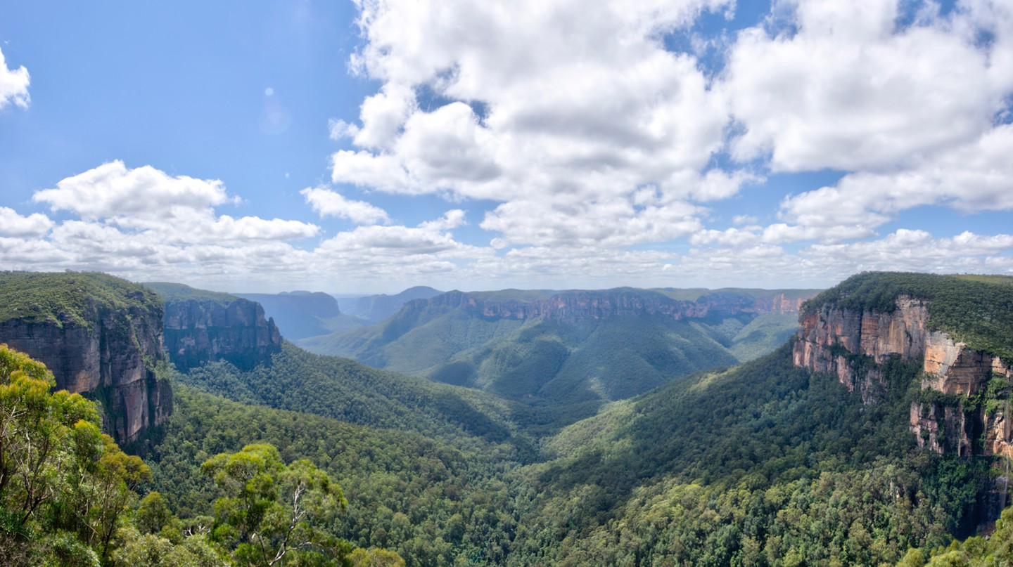 The Blue Mountains offer a wealth of exciting activities and stunning views