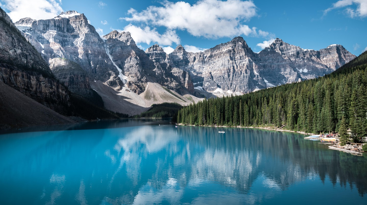 Banff National Park is famous for its mountains, bright turquoise lakes and coniferous forests