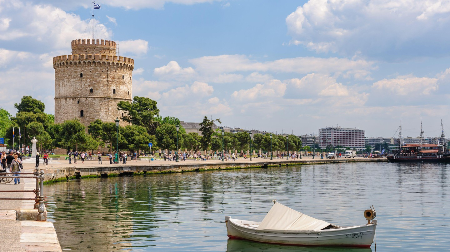 The White Tower of Thessaloniki is one of the must-sees of the city