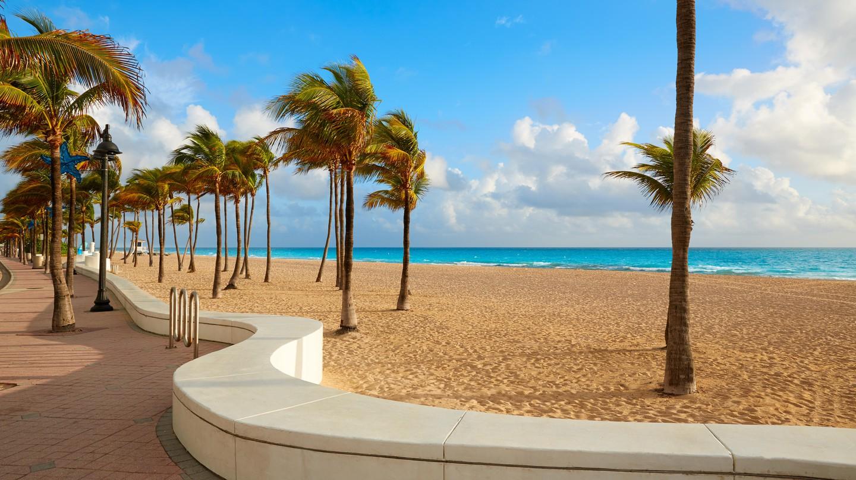 Fort Lauderdale beach morning sunrise in Florida