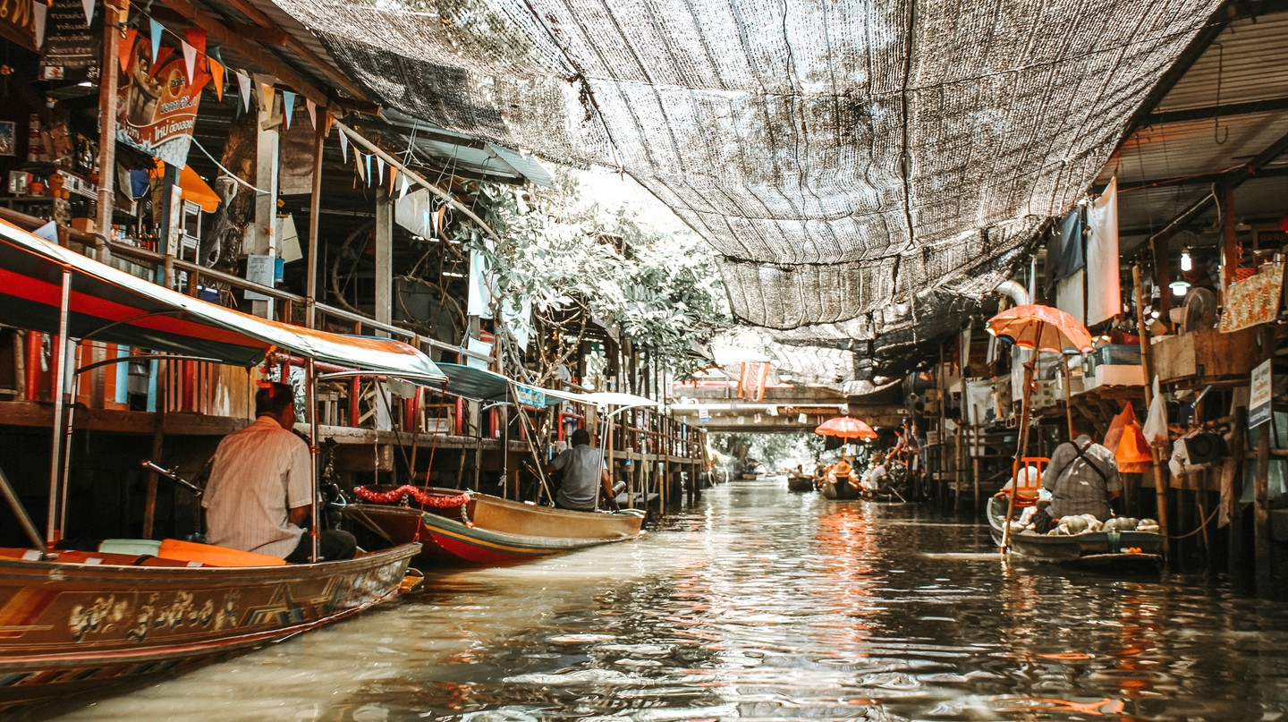 Take a tour of the famous floating market in Bangkok