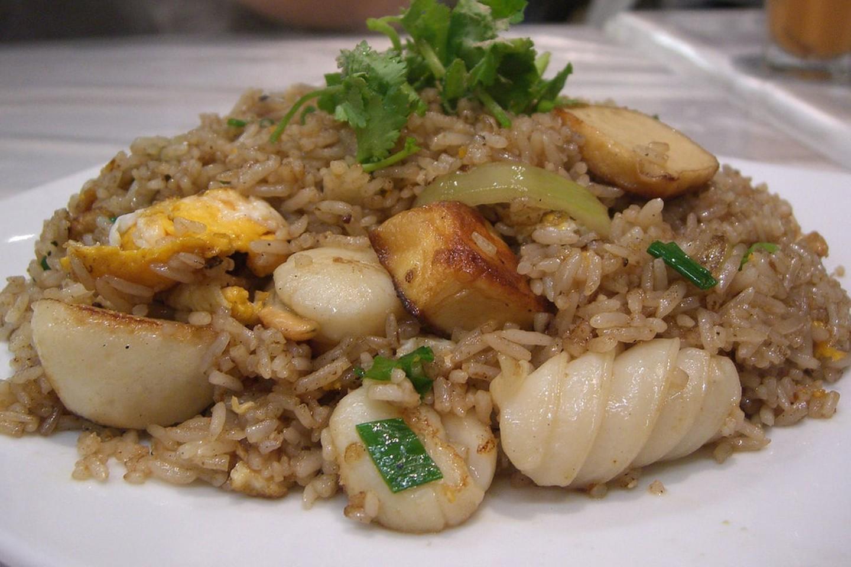 Жареный рис из морепродуктов