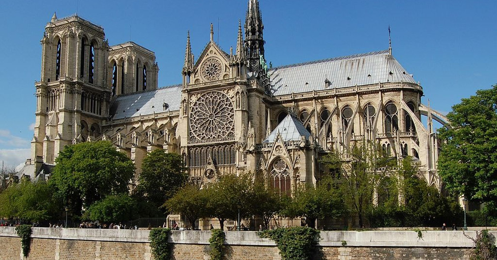Notre Dame Wikimedia Commons