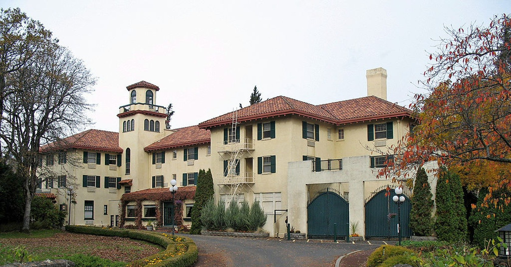 The Columbia Gorge Hotel Spa In Hood River