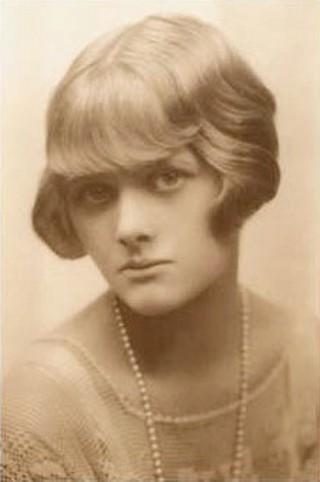 Daphne du Maurier, circa 1930