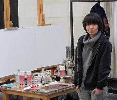 Liang Yuanwei in studio