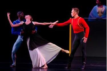Martha Graham Dance Company by Lois Greenfield