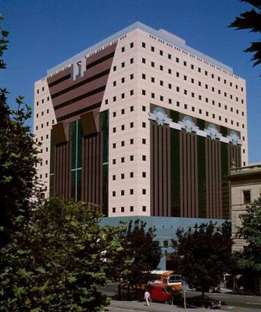 Portland Building © Steve Morgan/Wikimedia