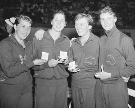 1956_Australian_4_x_100_relay_gold_medal_winners