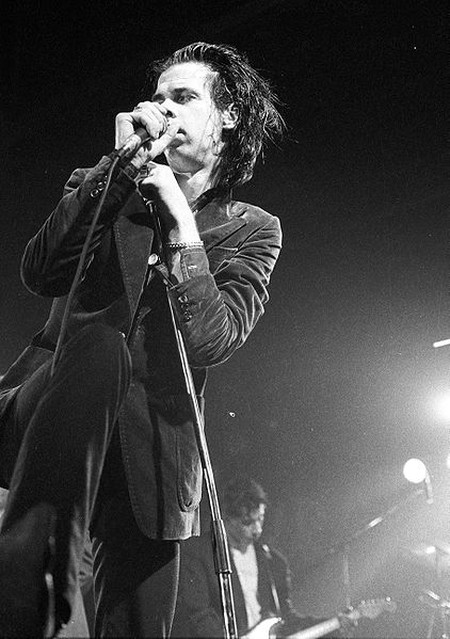 Nick Cave performing in Belgium in 1986 | ©Yves Lorson / Wikimedia Commons