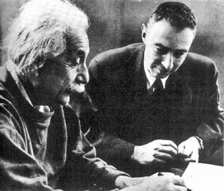 Einstein_oppenheimer
