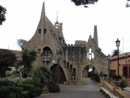Exterior of Bodegas Guell view