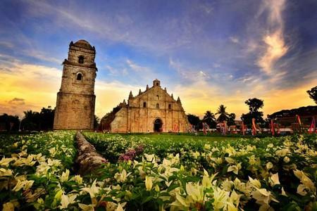 Paoay Church, Ilocos Norte by Allan Jay Quesada   Wikimedia Commons