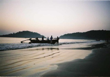 Boat Ride on Palolem Beach - Goa, India   © Paka/Flickr