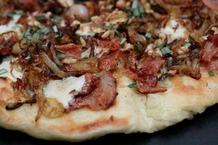 Onion and crispy bacon pizza