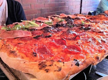 The Bronx Bomber and Fig Prosciutto pizza at Figs
