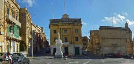 San Lawrenz Band Club to the left of Vittoriosa's main square