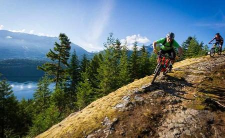 Cross country biking © Mike Crane/Tourism Whistler