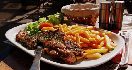 Steak and chips | © LWY/Wikicommons