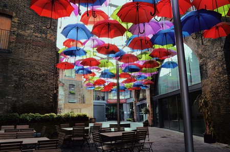 Borough market umbrellas yard ©Pāvels Sablins
