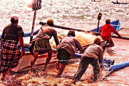Balinese Fishermen |©novriwahyuperdana/Flickr