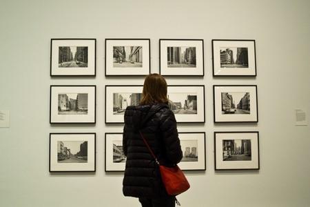 Taking in Thomas Struth's work | © Phil Roeder / Flickr