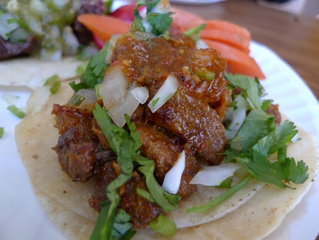 Try a flavorful pork taco | © Ron Dollete / Flickr