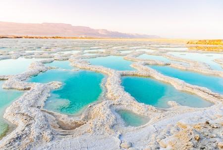 Salty shore of The Dead Sea | © Olesya Baron/Shutterstock