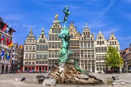 Traditional flemish architecture in Belgium   © leoks/Shutterstock