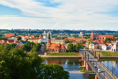 Panorama of Kaunas from Aleksotas hill, Lithuania  | © Raimundas/Shutterstock