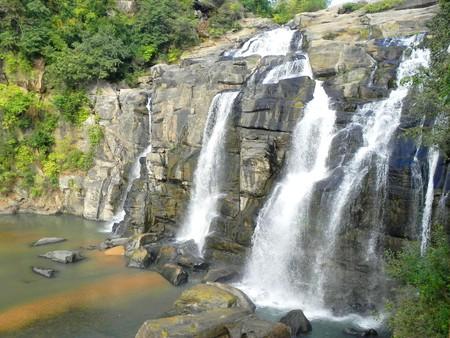 Jonha Falls    © Smeet Chowdhury/Flickr
