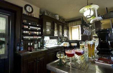 Bar   © Jorge Royan/Wiki Commons