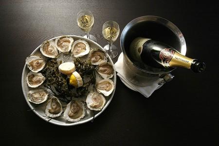 Austern Champagne Package | Courtesy of Hummer & Austernbar