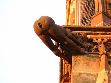 Gargoyle at Freiburg Cathedral, Germany | © F Delventhal/Flickr
