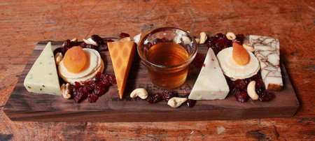 Cheese Plate © Wisconsin Cheese Mart