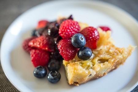 Gooseberry Clafoutis with Fruit | ©Stijn Nieuwendijk/Flickr