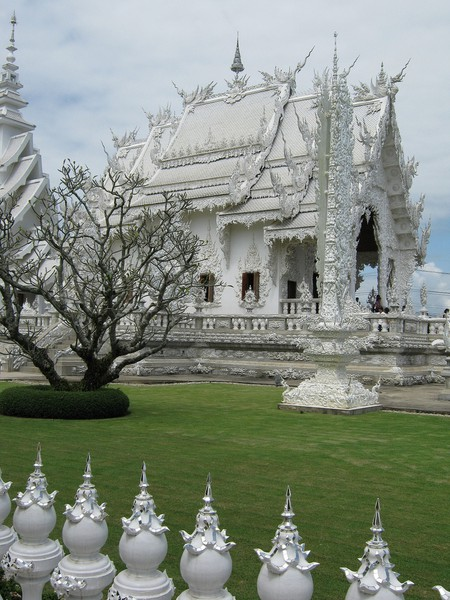 White Temple|©garycycles/Flickr