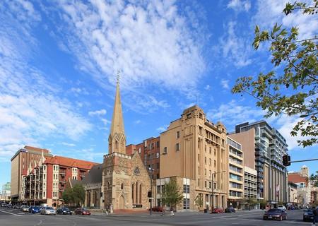 North Terrace, Adelaide | © Adam JWC/Wikimedia Commons