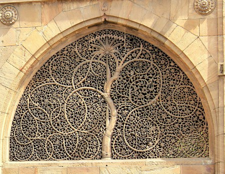 Mosque of Sidi Sayed Jaali in Ahmedabad | © Vrajesh jani/WikiCommons