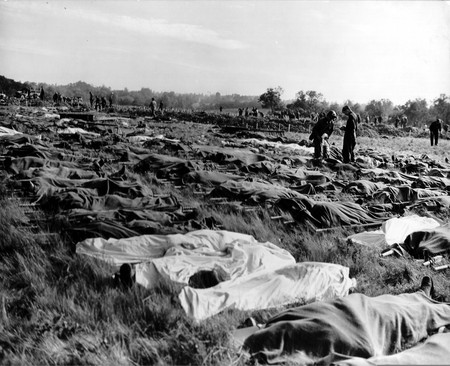 A field of the dead in Normandy, by Robert Capa   © PhotosNormandie/Flickr