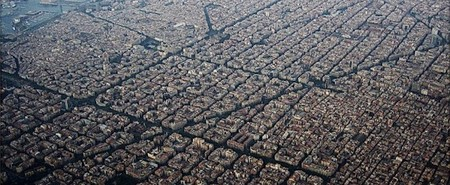 Eixample as seen from above | © Alhzeiia/WikiCommons