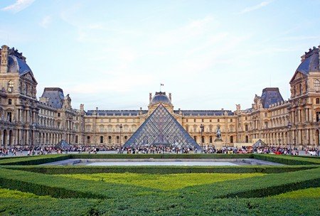The Louvre   © Dennis Jarvis/Flickr