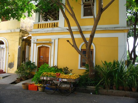 The famous yellow house of Pondicherry   ©Flickr/jay8085