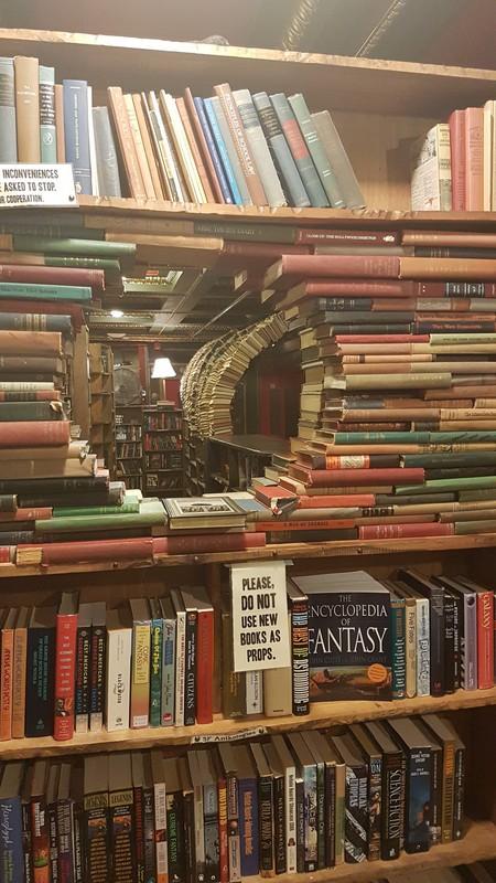 The Last Bookstore, LA | © vagueonthehow/Flickr