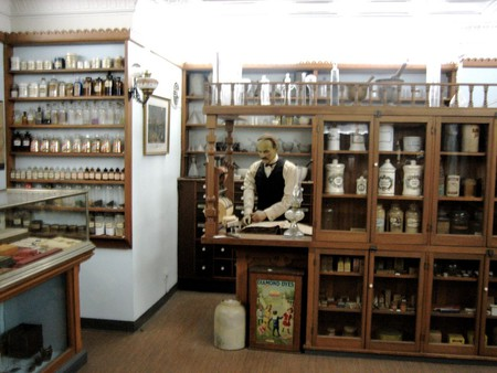 Replica of an Apothecary   © Peter Merholz/Flickr