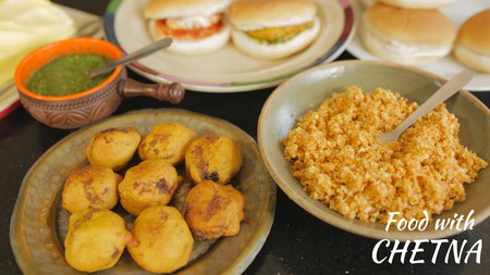 Vada Pav | © Food with Chetna / YouTube