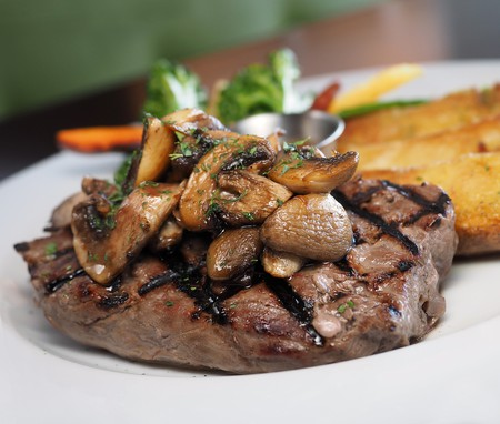 Beef fillet with mushrooms I © dbreen / Pixabay