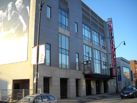Steppenwolf Theatre is home to four stages and 49 ensemble members. | © McDuff/WikiCommons
