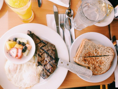 A carnivore's start to the day | Pexels